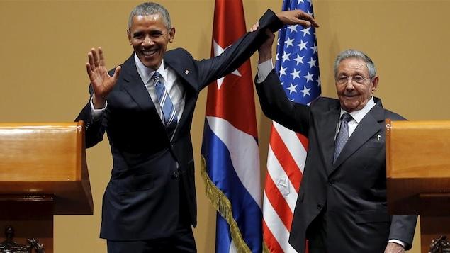 Obama met fin au régime spécial d'immigration pour les Cubains — Etats-Unis