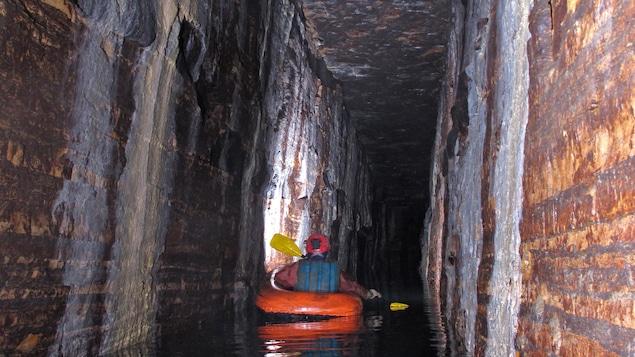 Découverte de galeries caverneuses intactes depuis 15 000 ans à Montréal