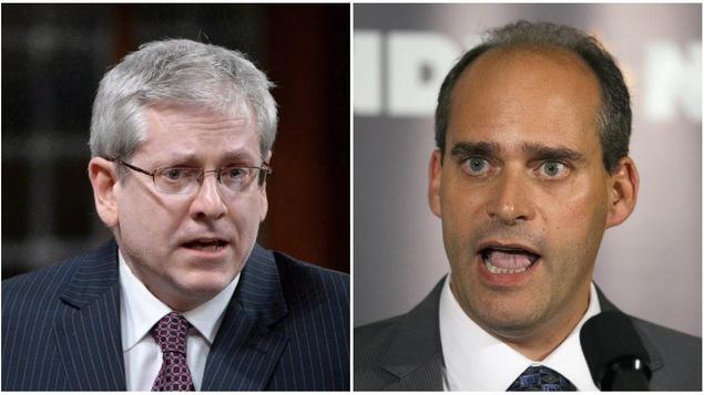 Les députés néo-démocrates Charlie Angus et Guy Caron.
