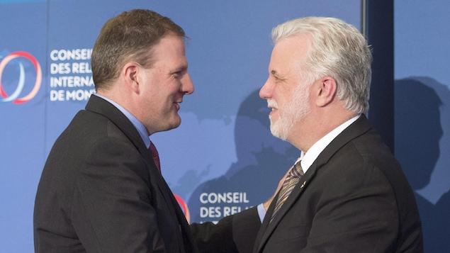 Le gouverneur du New Hampshire, Chris Sununu (à g.), et le premier ministre du Québec, Philippe Couillard