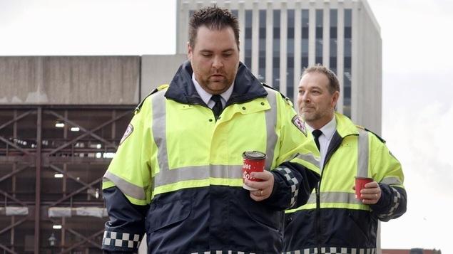 Les ambulanciers Chris Wall et Phil Comeau arrive au palais de justice de Saint-Jean pour le procès de Dennis Oland, le 28 novembre 2018.