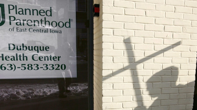 les tats pourront cesser de subventionner les cliniques d 39 avortement donald trump pr sident. Black Bedroom Furniture Sets. Home Design Ideas