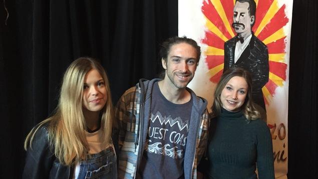 Cofondateurs et artistes du Cirque des Frères Collini : Vanessa Collini, François Bédard et Samantha Trudel.