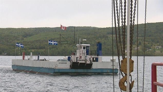 Le Corégone fait la traverse entre le secteur de Notre-Dame-du-Lac et Saint-Juste-sur-le-Lac dans le Témiscouata