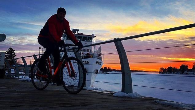 Daniel Britten sur son vélo