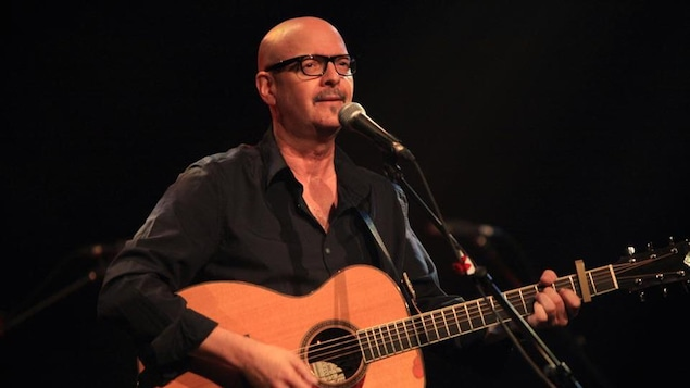 L'artiste acadien Denis Richard est décédé d'un cancer, lundi.