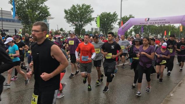 Ligne de départ du Marathon du Manitoba près du stade Investors Group