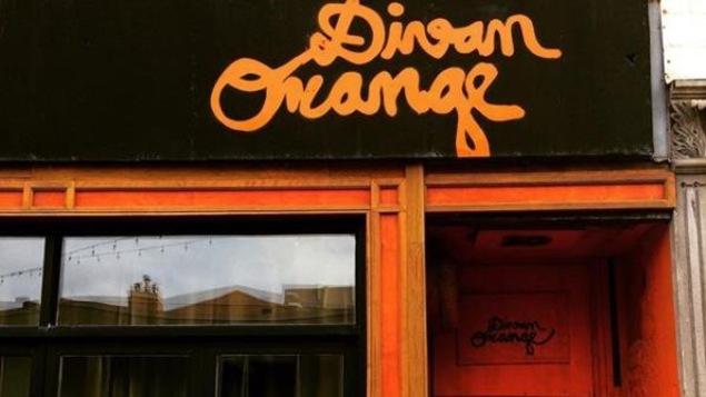 La devanture de la salle de spectacle montréalaise le Divan orange