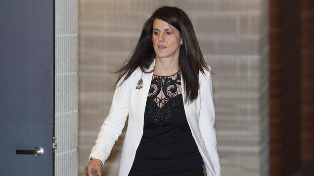 Djemila Benhabib arrive en cour le 26 septembre 2016.