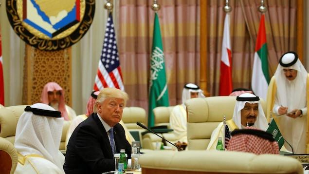 À Riyad, Donald Trump appelle à lutter contre