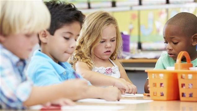 Enfants dans une garderie