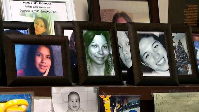 Des photos de femmes et filles autochtones assassinées et disparues.