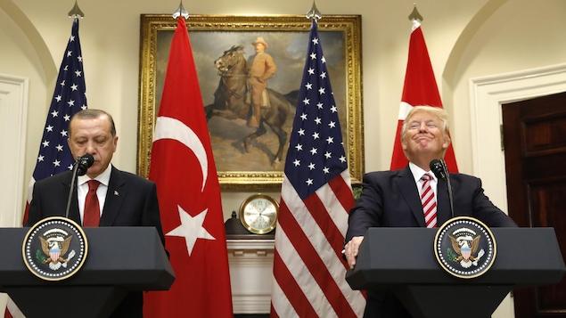 Recep Tayyip Erdogan et Donald Trump lors d'une conférence de presse à la Maison-Blanche.