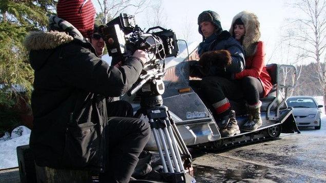 Le réalisateur Éric Morin en plein action lors du tournage du court métrage Opasatica