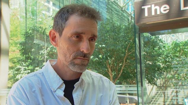 Érick Bessette, l'homme qui veut que son procès pour une infraction routière en C.-B. se déroule en français.