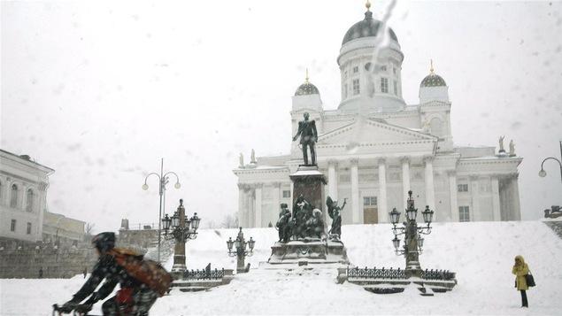 «Les villes scandinaves, comme Oslo, Copenhague et Helsinki ne sont pas des bons modèles pour Montréal. Ces villes doivent combattre la noirceur et non le froid et la sloche comme à Montréal», dit Daniel Chartier.