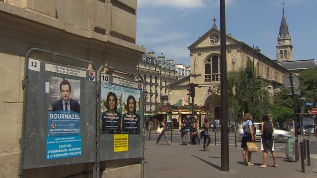 Dans Montmartre, deux candidats disent avoir le soutien d'Emmanuel Macron, mais aucun ne représente officiellement son parti.
