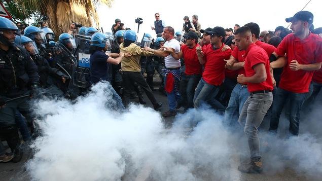 Des heurts ont eu lieu samedi entre manifestants et forces de l'ordre à la fin d'un défilé organisé pour protester contre les chefs d'État et de gouvernement des pays du G7 réunis à Taormine en Sicile.