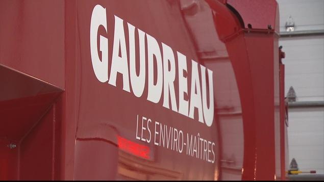 Logo sur un camion de la compagnie Gaudreau environnement