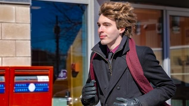 Grégory Levert, l'homme qui court sur l'avenue Saint-Jérôme tous les matins, pour aller travailler...