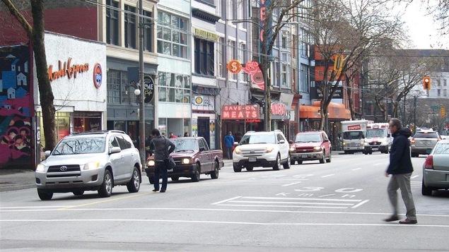 La rue Hastings dans le quartier Downtown Eastside de Vancouver