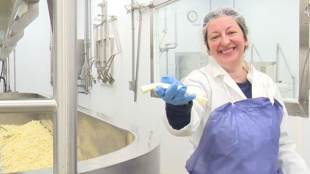 La directrice marketing de la fromagerie Fromage au village, Hélène Lessard.