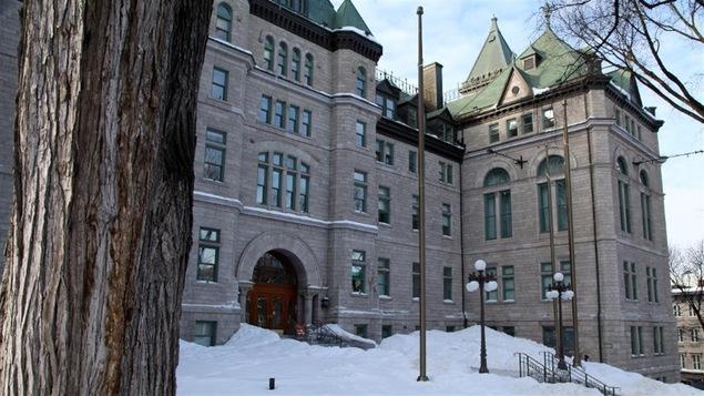 L'hôtel de ville de Québec en hiver