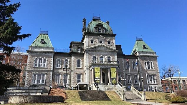 H l ne pigot sera de la course la mairie de sherbrooke for Piscine universite sherbrooke