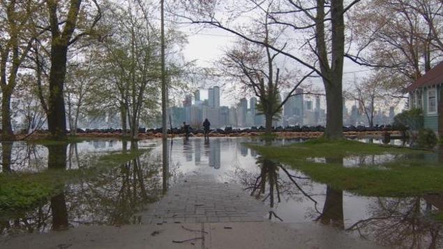 Inondations sur les Îles de Toronto