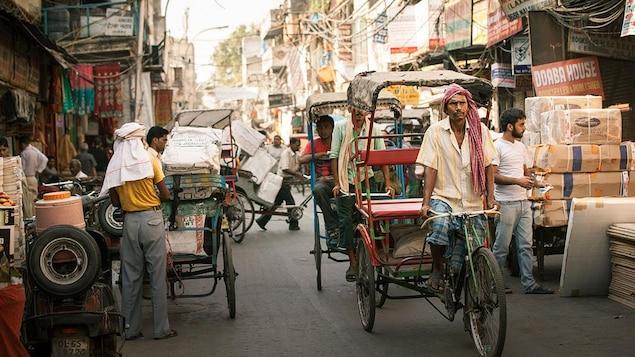 Une rue bondée en Inde.