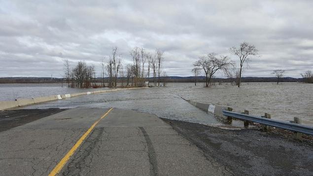 Les inondations se r sorbent gatineau ici radio for Garage gatineau fontaine le comte
