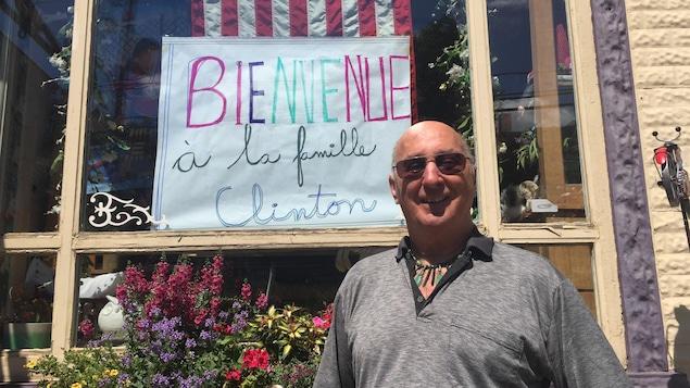 Les Clinton doivent arriver dimanche en Estrie