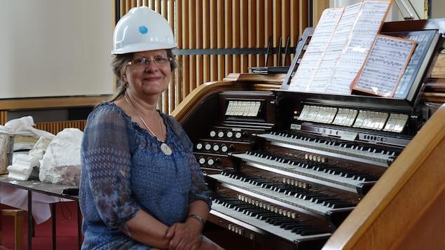 L'organiste Josée April