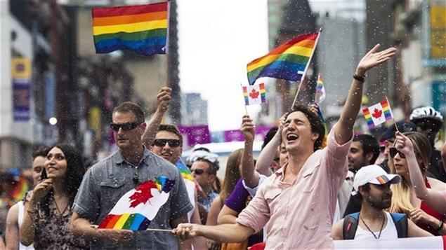 Trudeau assiste au défilé de la Fierté de Toronto