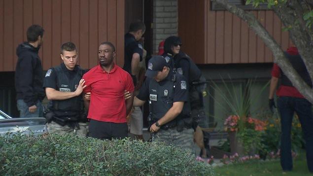 Karim Jean Gilles lors de son arrestation par les policiers de longueuil.