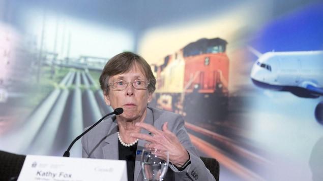 Kathy Fox en Alberta en avril 2018 lors d'une conférence de presse.