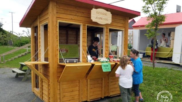 Le kiosque jeunesse au marché de La Mitis