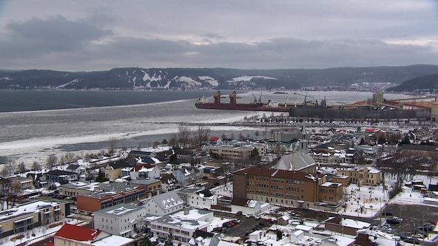 Image de l'arrondissement La Baie en hiver. Vue sur Grande-Baie.