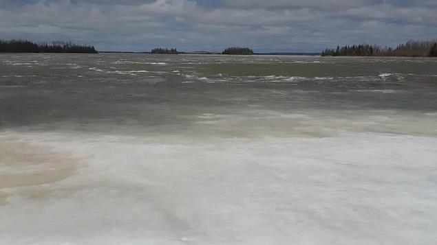 Le Lac Abitibi à Gallichan, le 15 mai 2018.