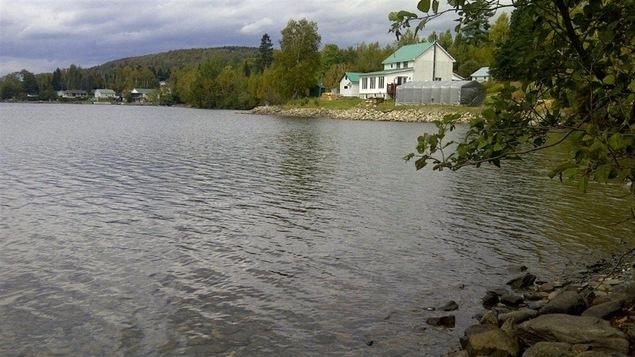 Maison au bord d'un lac ( archives)