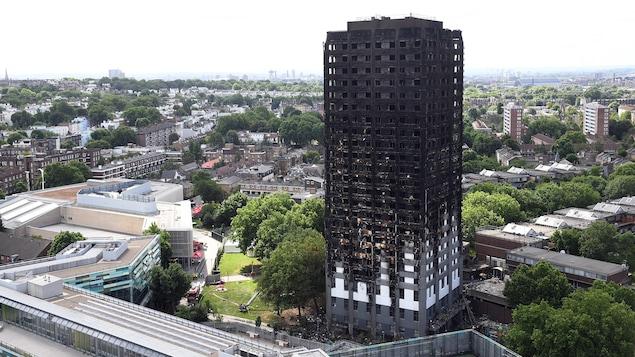 Incendie de Londres : manifestation tendue à Kensington