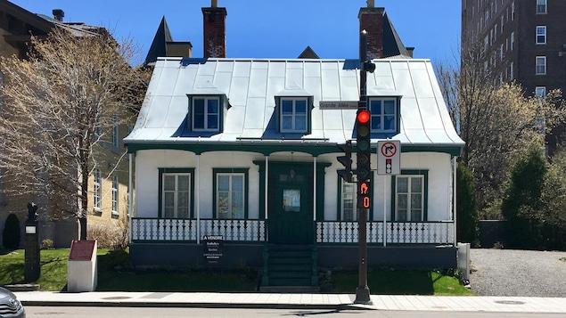 La maison patrimoniale krieghoff est vendre ici radio - Canada maison a vendre ...