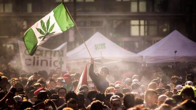 une manifestation pour la légalisation de la marijuana