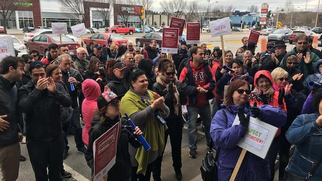 Des manifestants à Saguenay