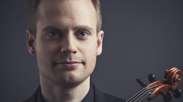Une photo du violoniste Marc Djokic