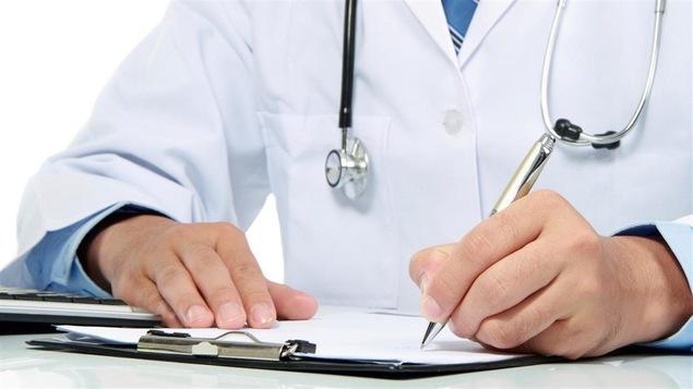 Certains médecins estiment que le forum québécois sur les soins à domicile est l'occasion de remettre en cause le peu de travail effectué par les médecins dans cette spécialité.