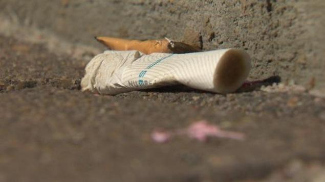 Le changement de la personne après il a cessé de fumer