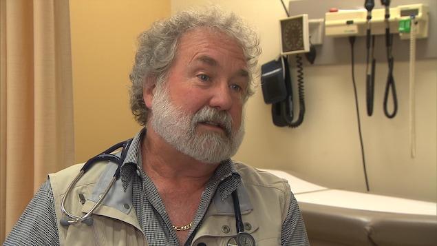 Le Dr Michel Vachon, président de l'Association des médecins omnipraticiens de Montréal.