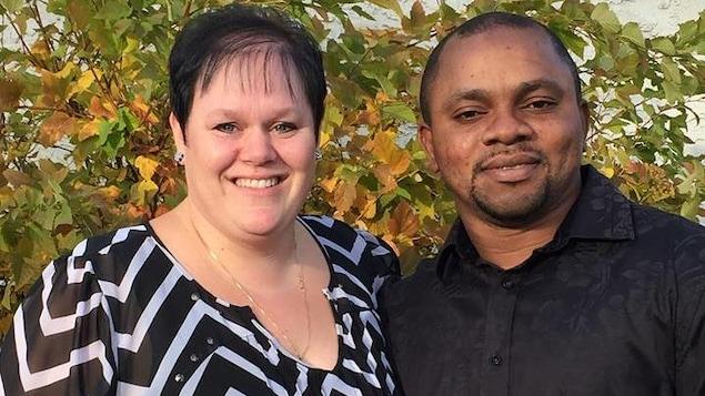 Michelle Omoruyi a été accusée d'avoir facilité le passage de clandestins. Son mari Victor Omoruyi est détenu aux États-Unis concernant la même enquête. Il n'est pas accusé pour l'instant.