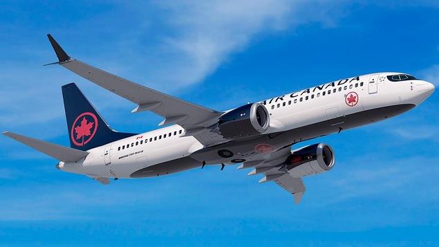 Un boeing 737 MAX 8 d'Air Canada en vol